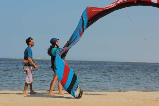 Kitesurfing-Kitebording-djerba-tunisia-kite-school-club-vacances-planche-voile