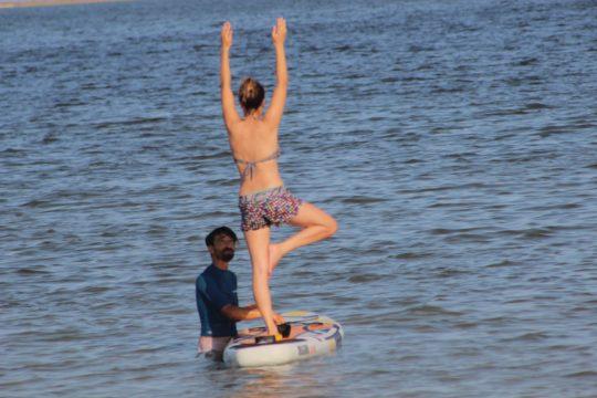 Cours-yoga-djerba-vacances-yoga-SUP-paddle -tunisie-sejours-yoga-vacances